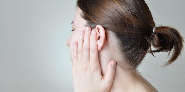 Durerea de cap, posibil simptom al unei coloane bolnave - Farmacia Ta - Farmacia Ta