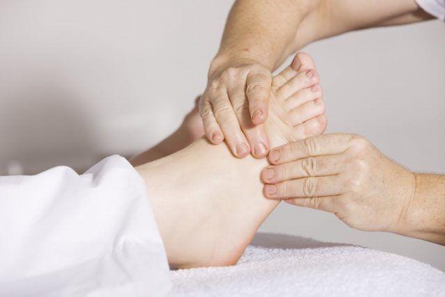 picioare umflate în semnele articulare
