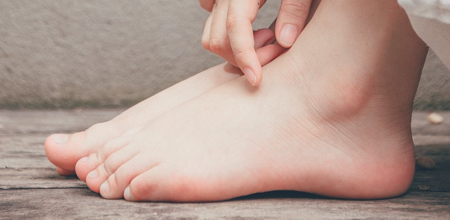 dureri severe la gleznă și călcâi