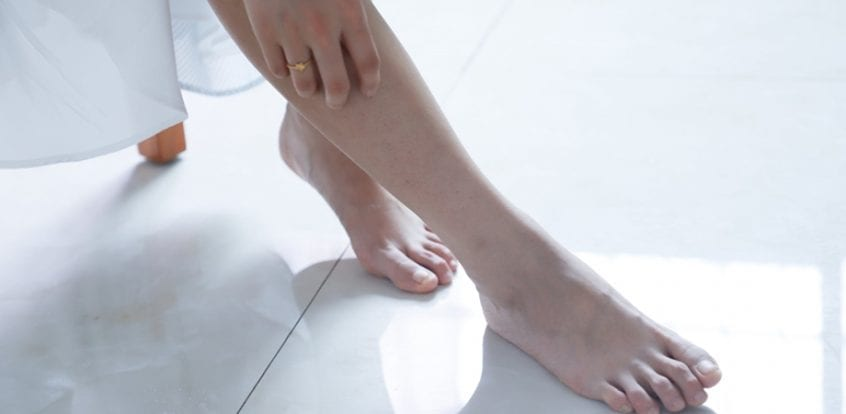 Picioare umflate în semnele articulare, Dureri ale gleznei şi piciorului