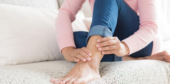 umflarea gleznei unui picior