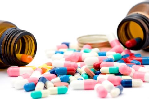 Medicamente compensate: Guvernul a introdus 16 noi denumiri comune internaţionale pe listă