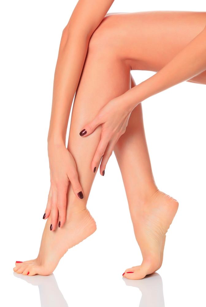 De ce se umfla picioarele vara? | Catena