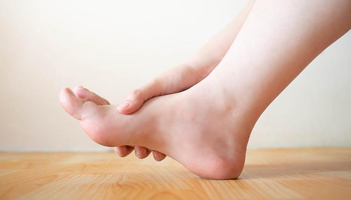 cum să tratezi picioarele în articulații