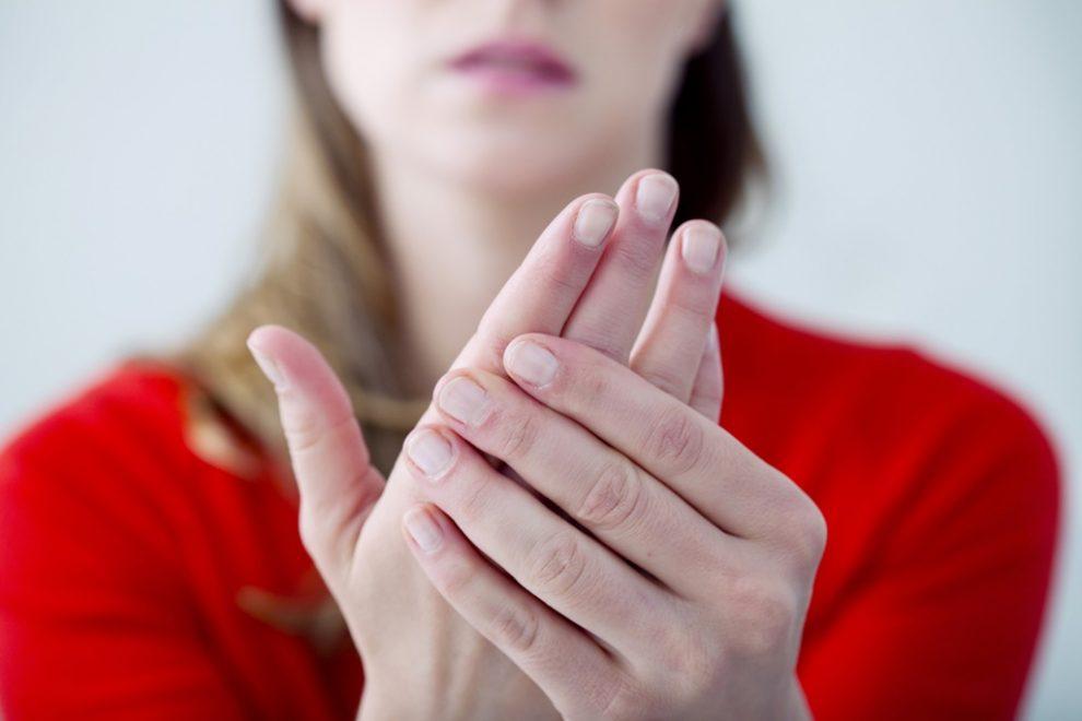Ti se umfla degetele? Iata care ar putea fi cauzele