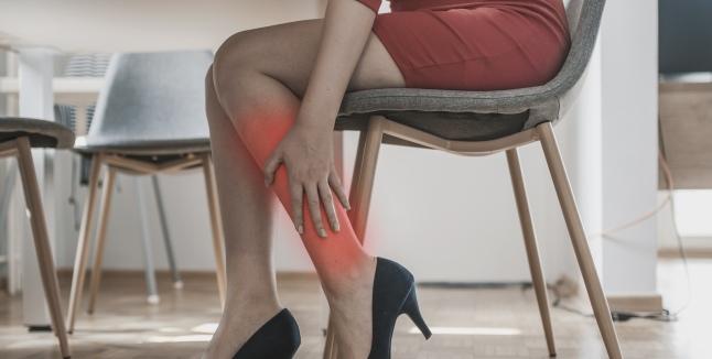articulație lângă picior doare