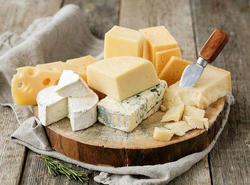 brânză de vaci în tratamentul artrozei