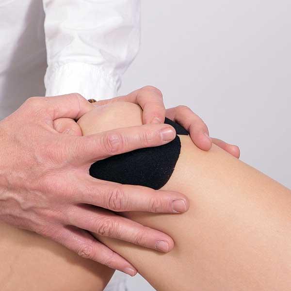 Cum să tratezi o articulație a genunchiului acasă