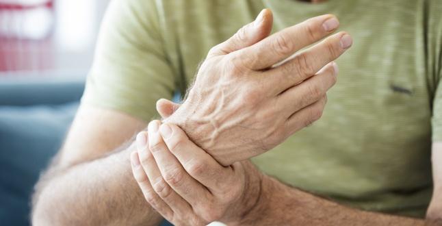 de ce doare mușchii și articulațiile mâinilor dureri de gleznă și durere