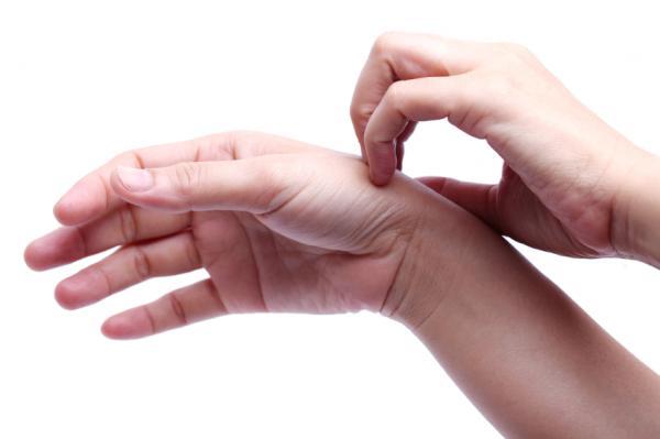dureri plictisitoare la încheietura mâinii
