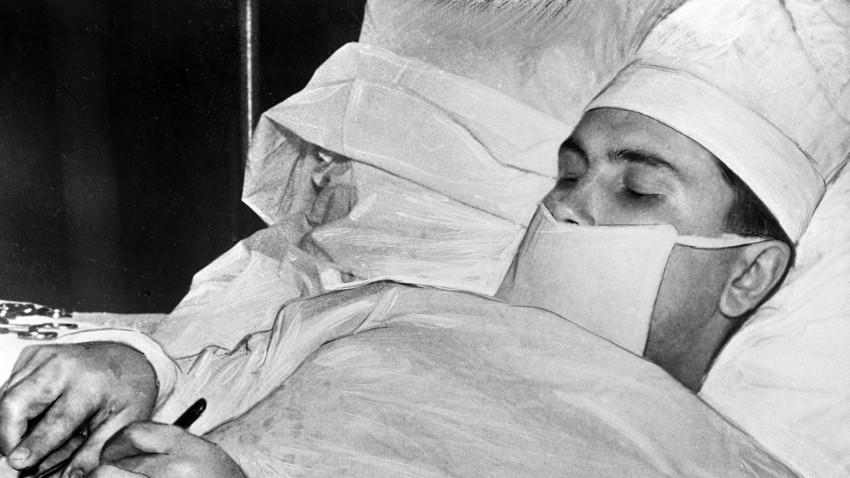 Tratamentul nervului radial al articulației cotului, Boala articulară a lui Petrov