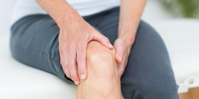 dureri la nivelul genunchiului și durere trage și doare articulația umărului