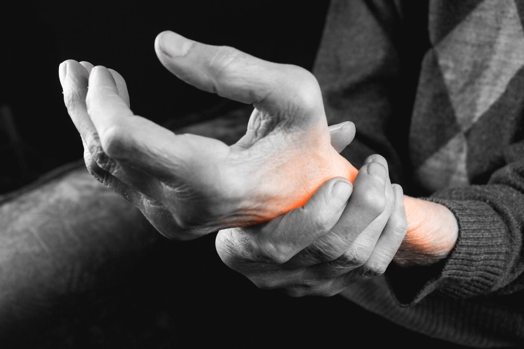 ce tratează artroza pe degete articulația degetului mare doare