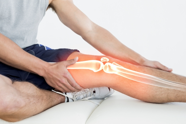dureri articulare luna articulația umflată pe picior cum se tratează