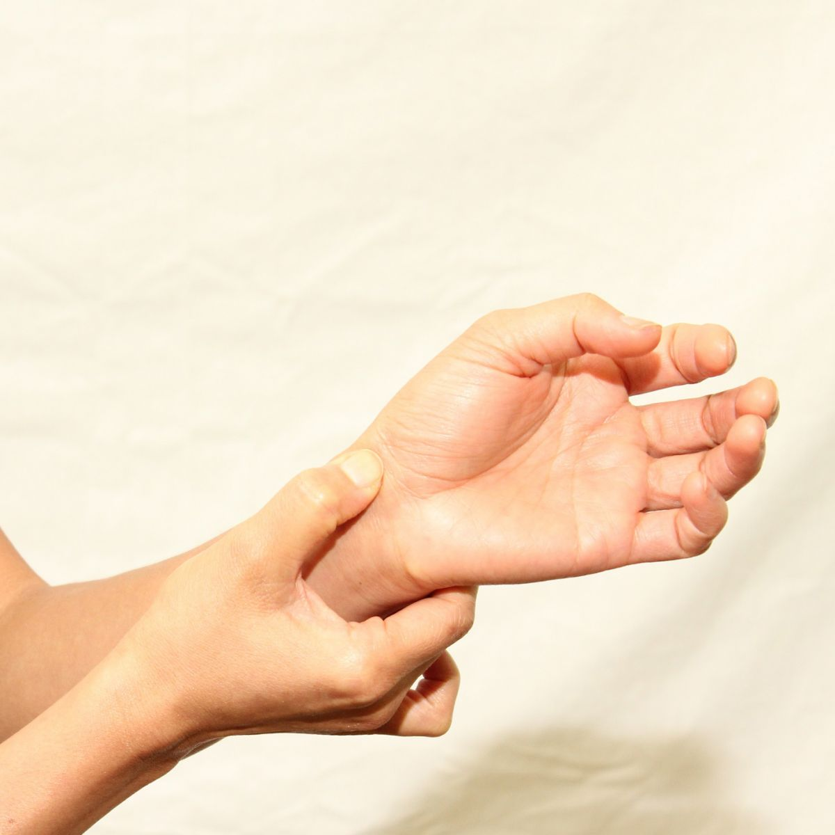 Dureri la încheietura mâinii în timpul efortului fizic, Suprasolicitarea fizica