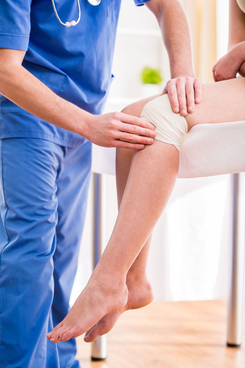 picior dureros pe interiorul genunchiului