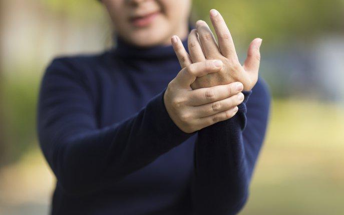 Degete amortite? – Solutia prin kinetoterapie manuala