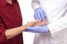 ce să faci cu durerea în articulațiile mâinilor durere articulară a degetului mijlociu pe braț