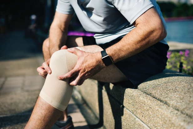 dureri în jurul genunchiului când ghemuit tratamentul artrozei Dr. Evdokimov