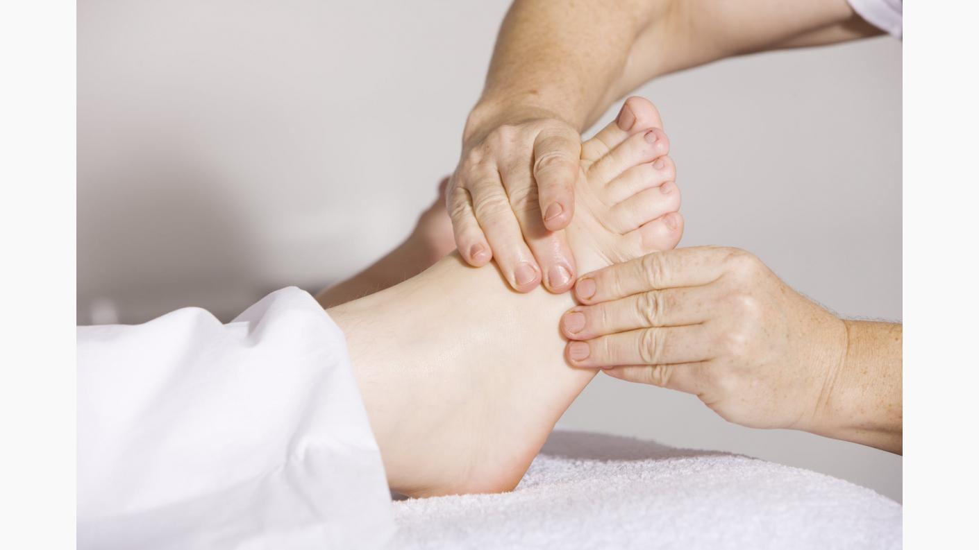 articulațiile picioarelor unde și cum trebuie tratat lichid în articulația genunchiului cauzează tratamentul