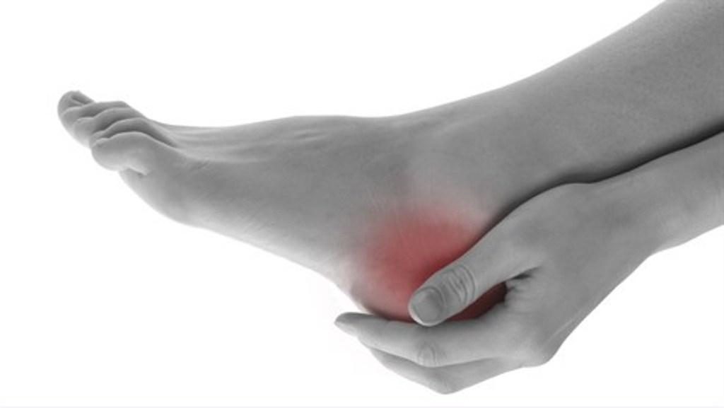 dureri de călcâie în articulație la mers