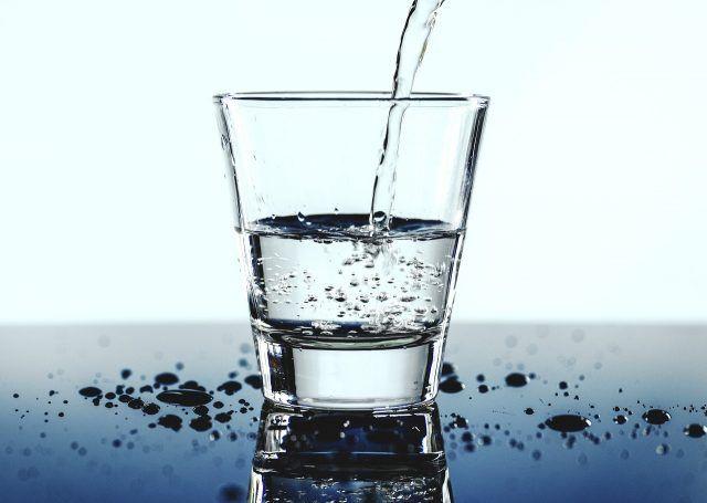 apă pentru dureri articulare tratamentul artrozei degetelor de la picioare de metatarsofangalian