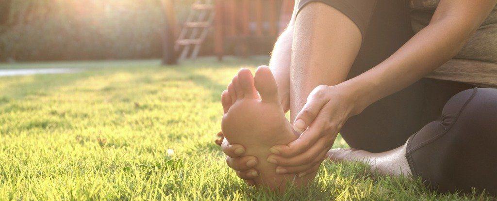 face clic pe articulația șoldului fără durere în tratamentul comun cu apă minerală