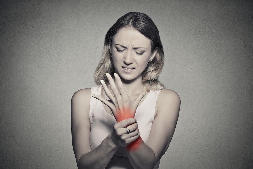 crize și durere a articulațiilor umerilor