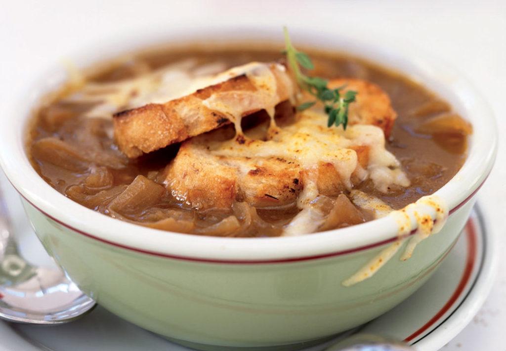 Supă de ceapă și usturoi, o rețetă pentru imunitate